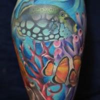 Wunderbarer Fisch im Ozean Tattoo