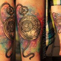 bellissima antica colorato orologio di tasca  tatuaggio su braccio