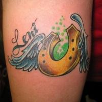 giallo ferro di cavallo con ali tatuaggio