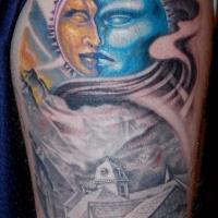 cole giallo con luna blu e paesaggio rurale tatuaggio sulla spalla