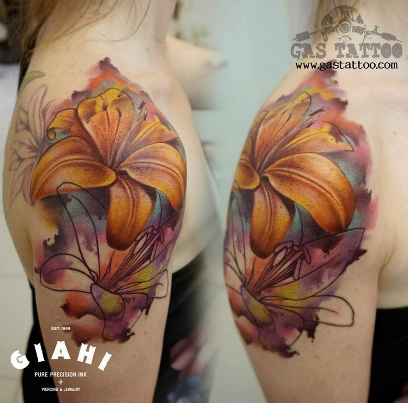 Unfinished colored shoulder tattoo of big flower