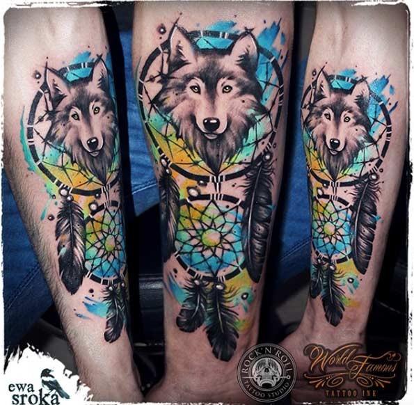 Nuovo stile da scuola colorato tatuaggio dell&quotavambraccio di acchiappasogni con lupo