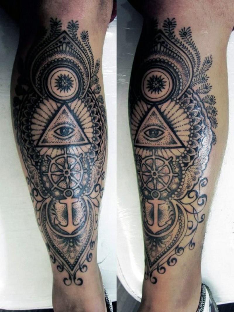 originale combinazione nero e bianco ornamento mistico tatuaggio su gamba