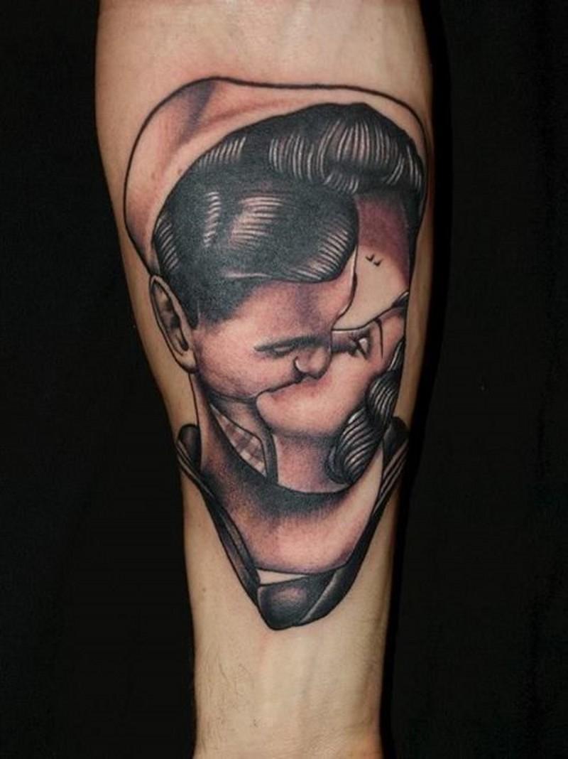 insolito stile dipinto antico dipinto  senza volto tatuaggio su braccio