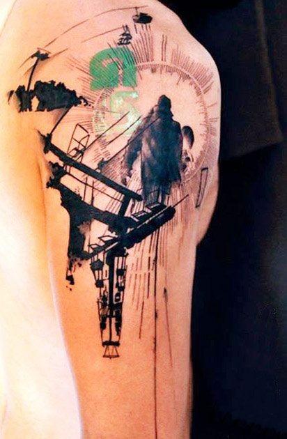 Insolito tema astratto inchiostro nero tatuaggio su spalla