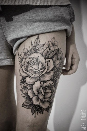 Usual Style Painted Big Black And White Roses Tattoo On Thigh