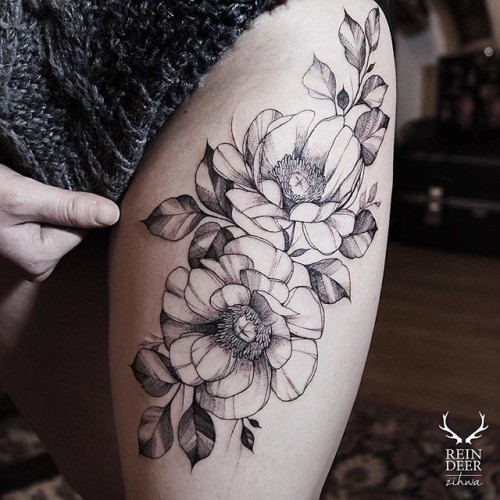 Very big blackwork style painted thigh tattoo of large flowers and leaves