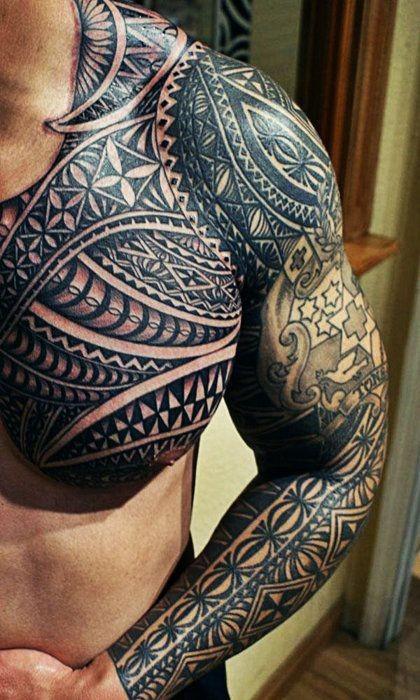 molto realistico massiccio nero e bianco Polinesiano tatuaggio avambraccio e petto