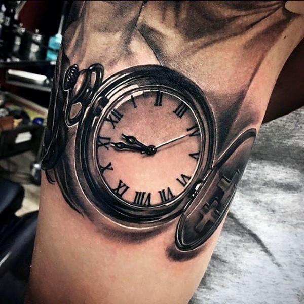 molto realistico 3D nero e bianco antico orologio tatuaggio su braccio