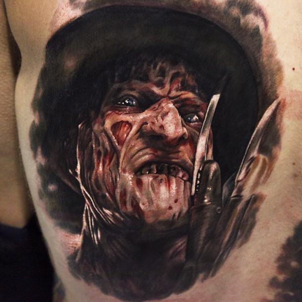 Tatuaje en la espalda, Freddy Kruger realista detallado