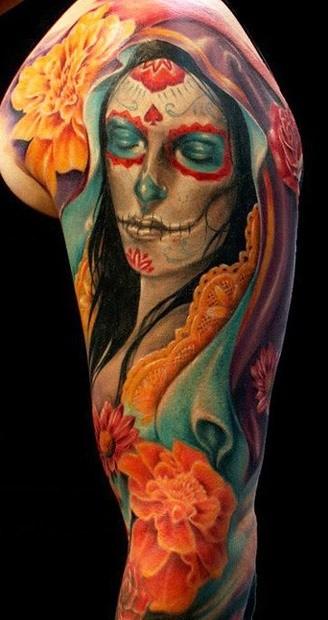 colori vivaci giorno dei morti tatuaggio sulla spalla