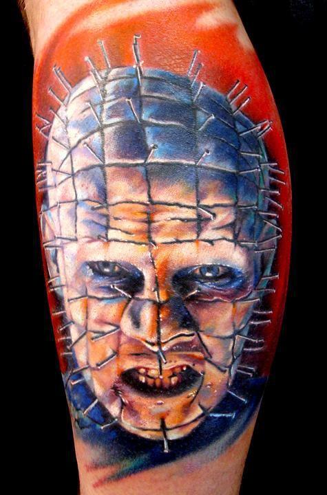 vivaci colori da hellraiser film orrore tatuaggio