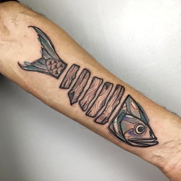 Tatuaggio di pesce separato per un tatuaggio ad acquerello con stile acquerello