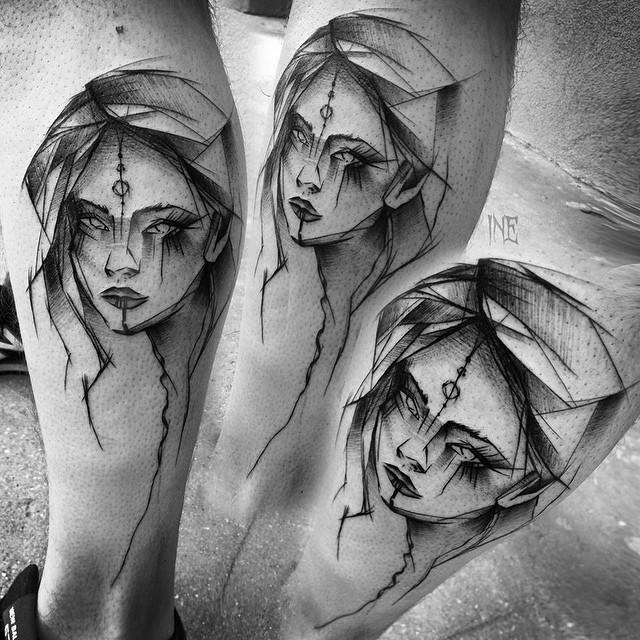 Tatuaggio con ritratto di donna dipinto da Inez Janiak sulla gamba