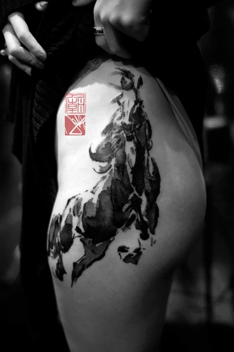 Wonderful oriental dark horse tattoo on thigh by Joey Pang