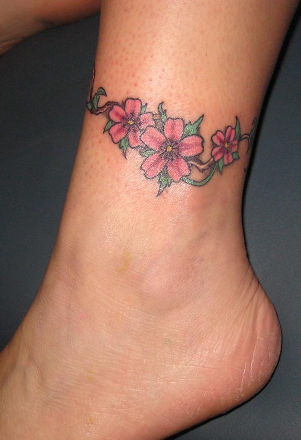 wunderbare rosa blumen kn chel armband tattoo. Black Bedroom Furniture Sets. Home Design Ideas