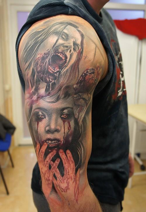 Tatuaje en el brazo, chicas zombies repugnantes